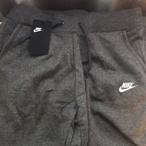 BRAND NEW Nike Gray Loose Fit Sweatpants